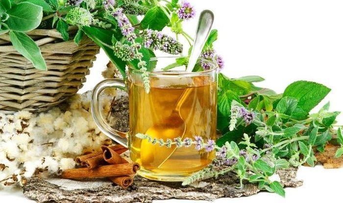 Remedii naturiste pentru tuse - ceai de salvie