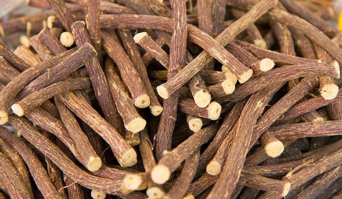 Remedii naturiste pentru tuse - lemn dulce