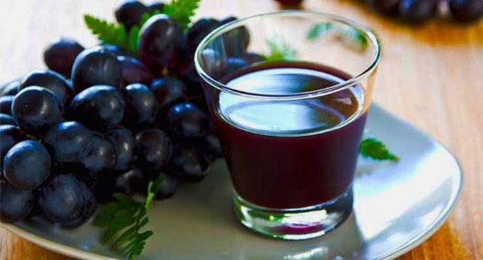 Remedii naturiste pentru tuse - suc de struguri