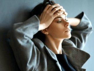 Anxietatea se poate vindeca ușor. Iată cum să folosești tehnica celor 3 coloane